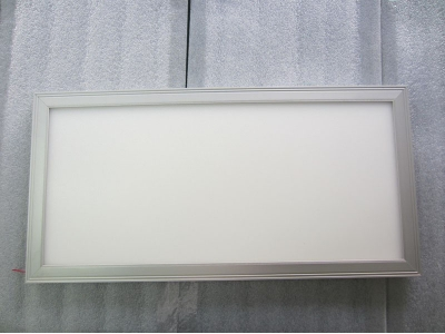Non-dimmable 1FT×4FT UL FCC 5 Years Warranty 45W LED Panel Light